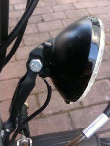 Vorderlicht mit einem Kabel